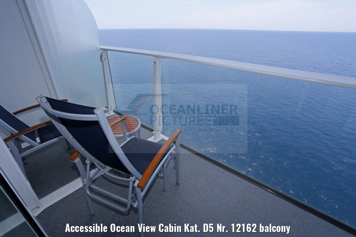 Accessible Ocean View Cabin Kat. D5 Nr. 12162 balcony