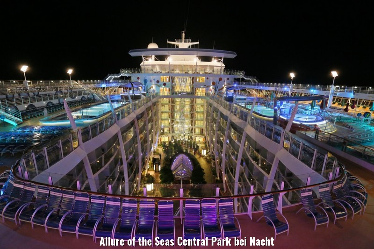 Allure of the Seas Central Park bei Nacht