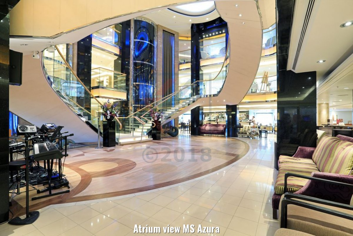 Atrium view MS Azura