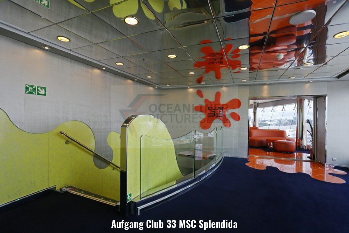 Aufgang Club 33 MSC Splendida