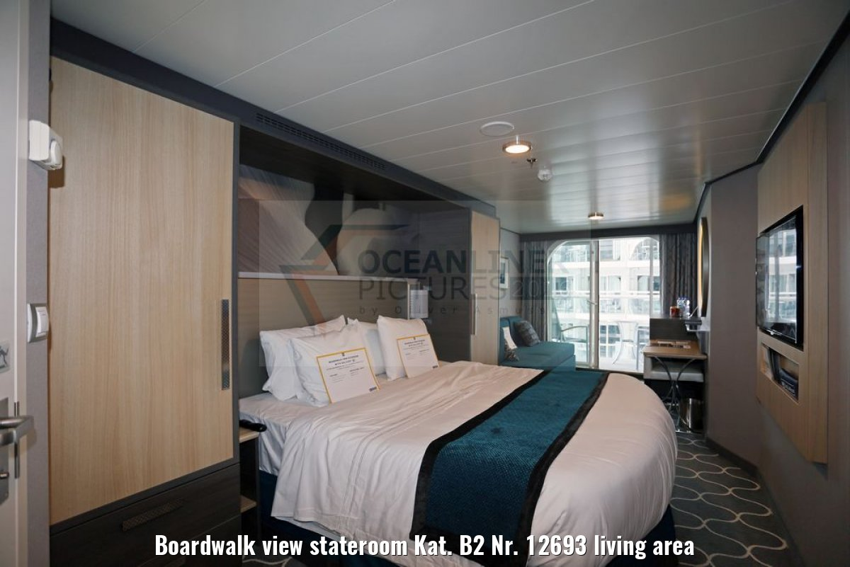Boardwalk view stateroom Kat. B2 Nr. 12693 living area