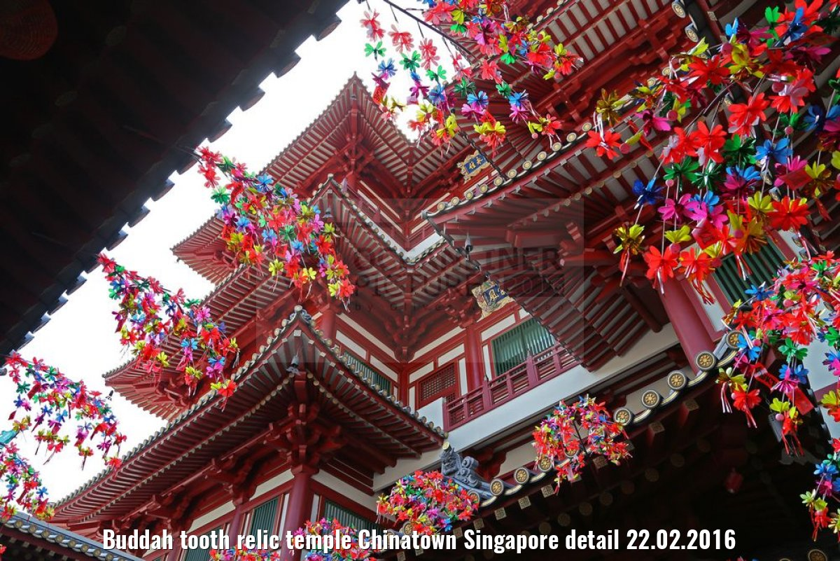 Buddah tooth relic temple Chinatown Singapore detail 22.02.2016