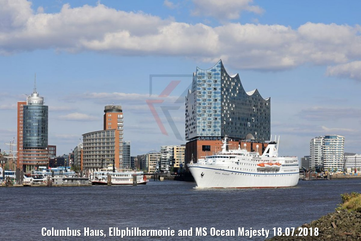 Columbus Haus, Elbphilharmonie and MS Ocean Majesty 18.07.2018