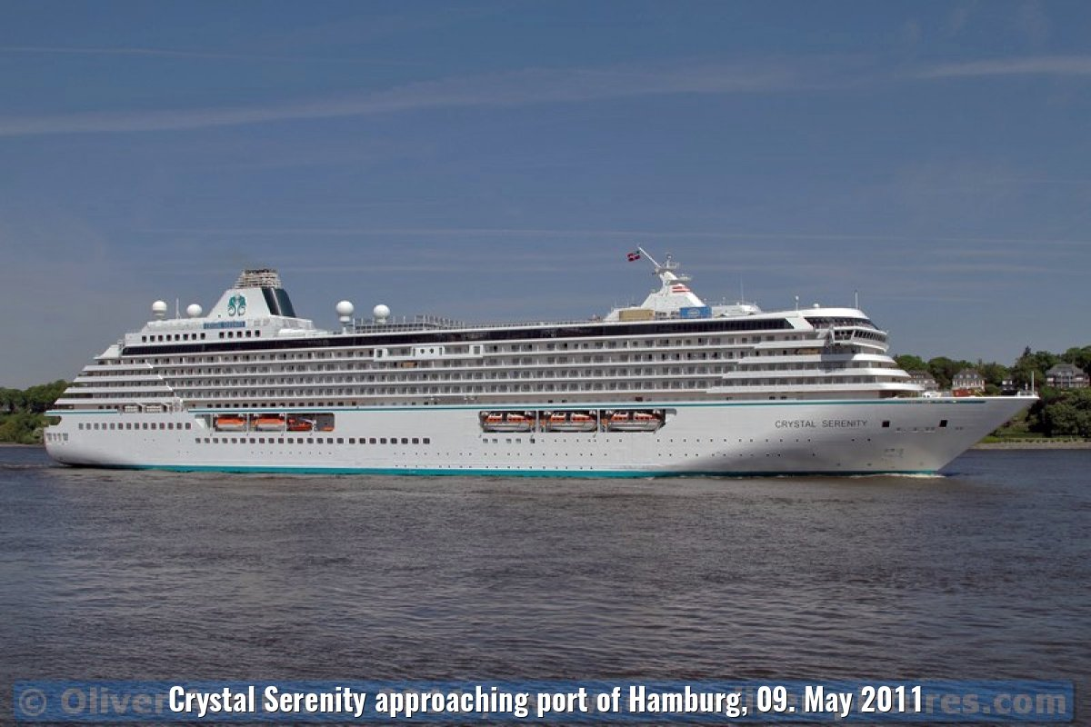 Crystal Serenity approaching port of Hamburg, 09. May 2011