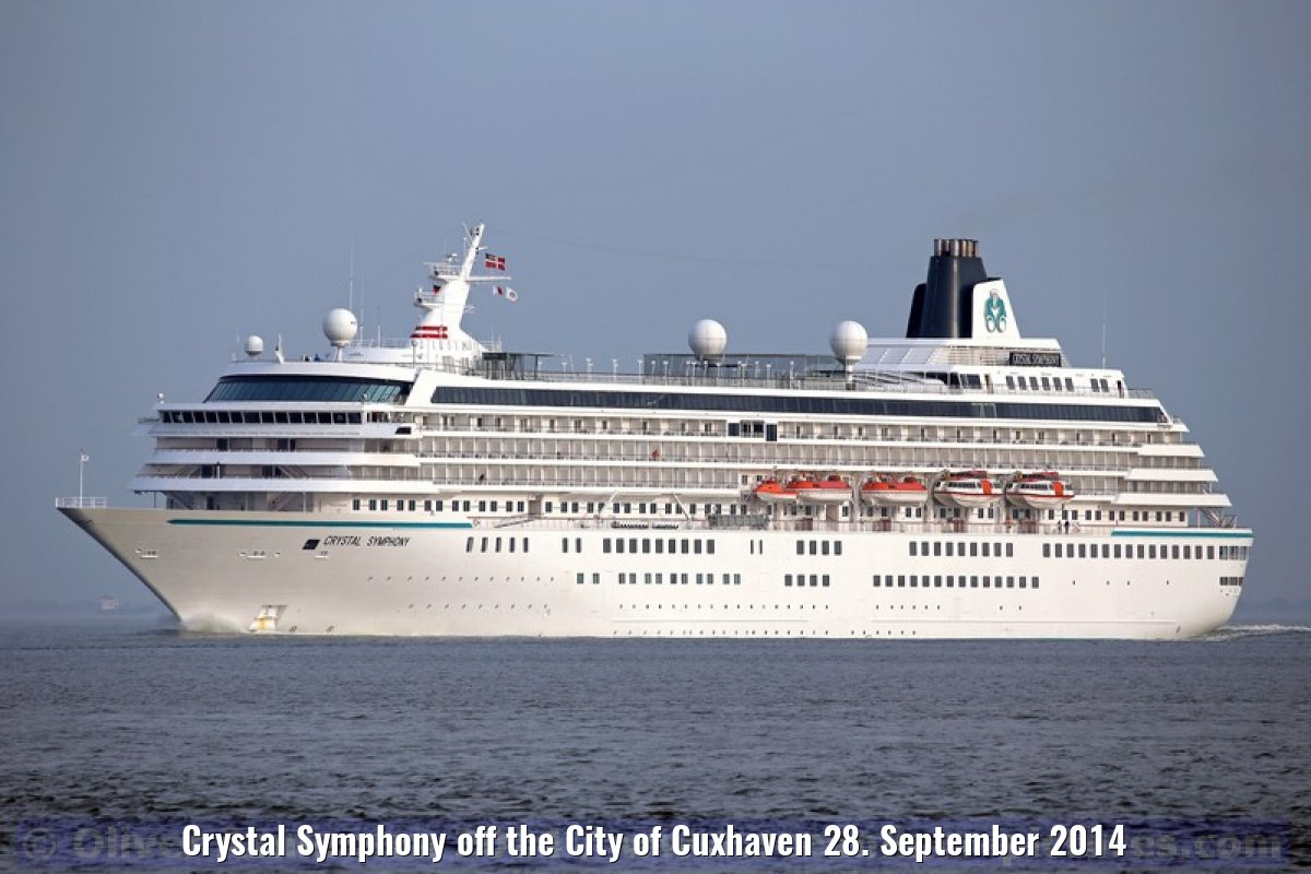 Crystal Symphony off the City of Cuxhaven 28. September 2014
