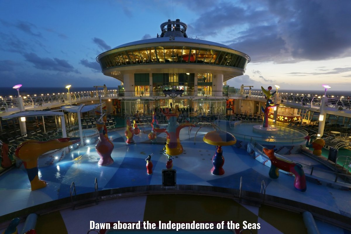 Dawn aboard the Independence of the Seas