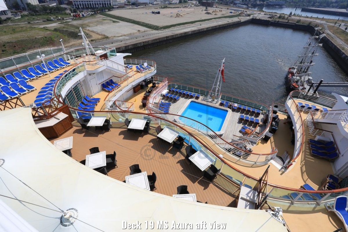 Deck 19 MS Azura aft view