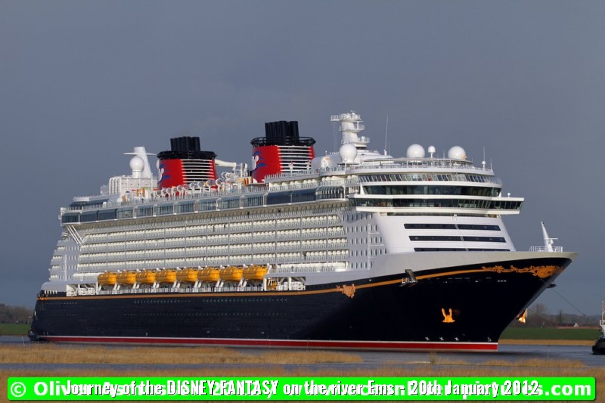 Journey of the DISNEY FANTASY on the river Ems - 20th January 2012
