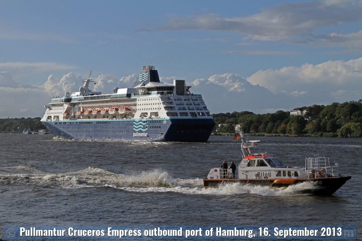 Pullmantur Cruceros Empress outbound port of Hamburg, 16. September 2013