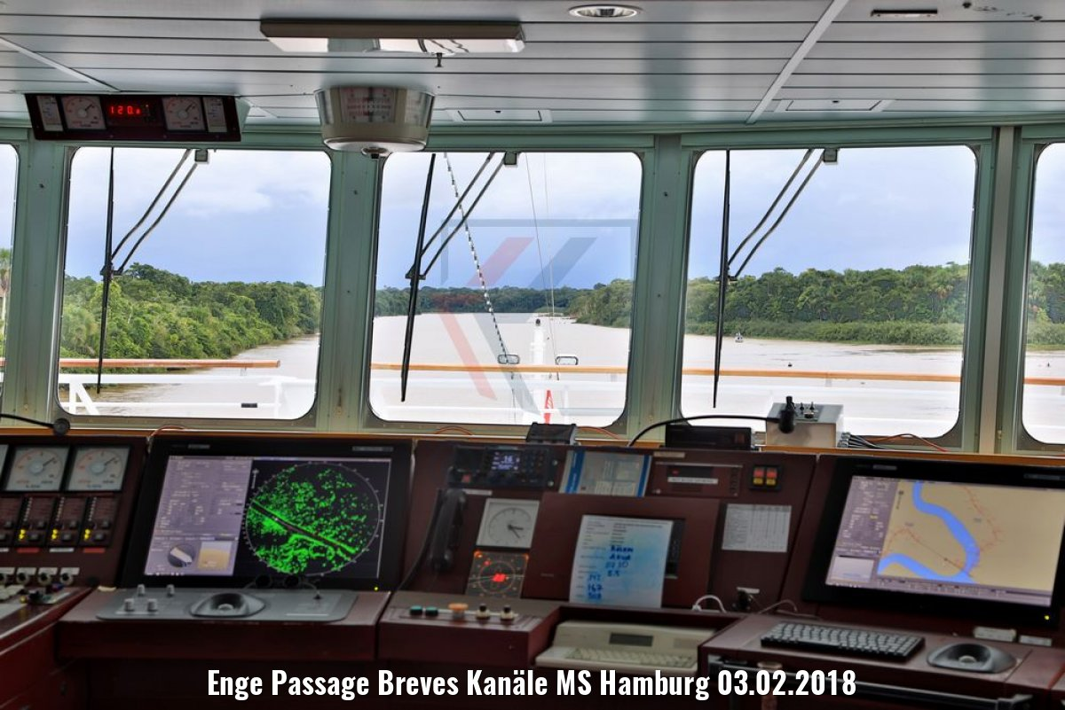 Enge Passage Breves Kanäle MS Hamburg 03.02.2018