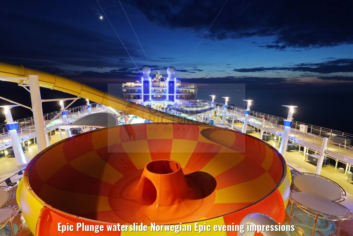 Epic Plunge waterslide Norwegian Epic evening impressions