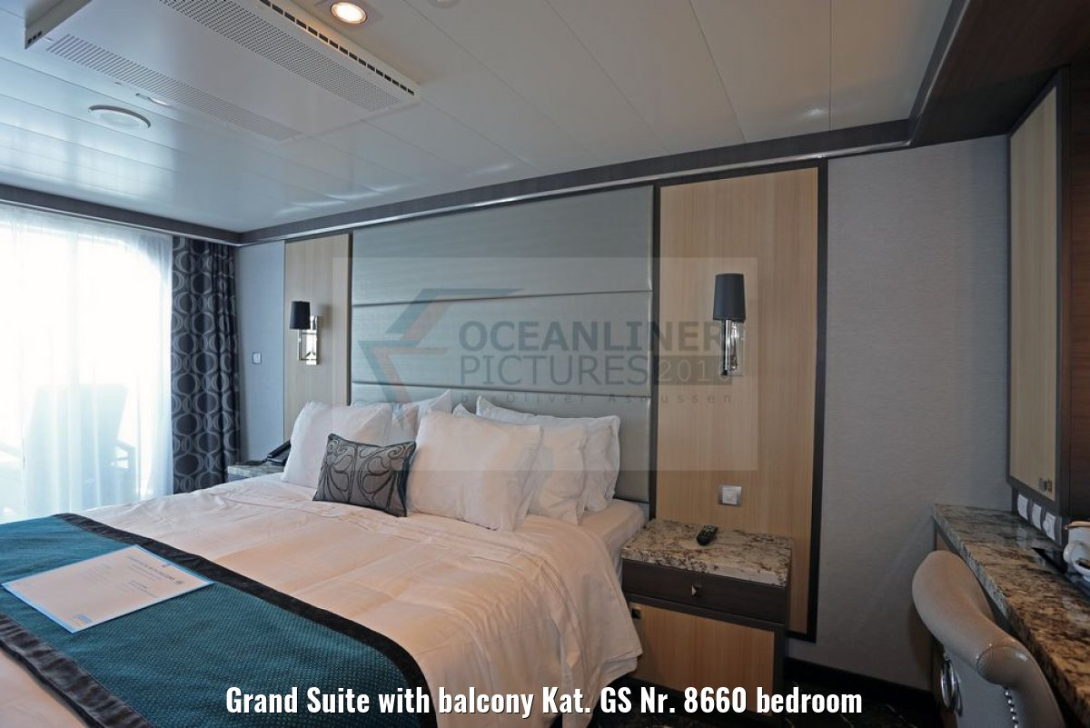 Grand Suite with balcony Kat. GS Nr. 8660 bedroom