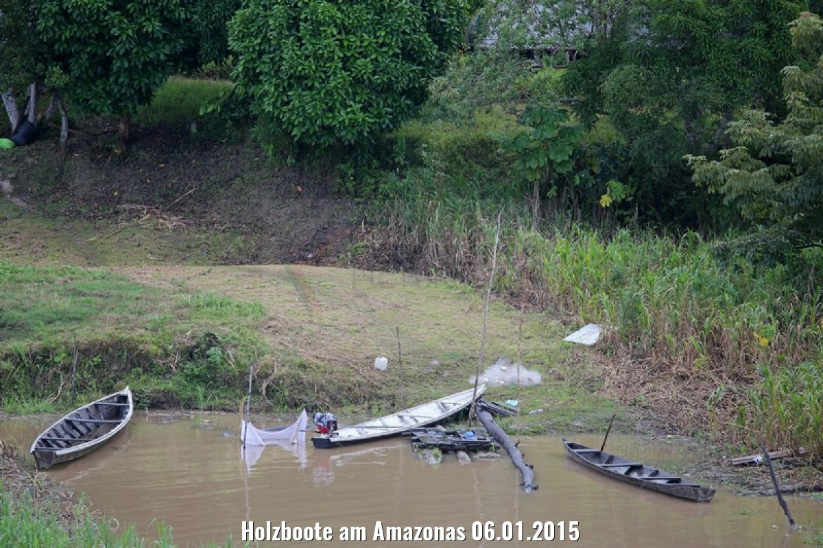Holzboote am Amazonas 06.01.2015