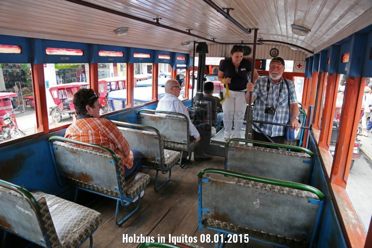Holzbus in Iquitos 08.01.2015