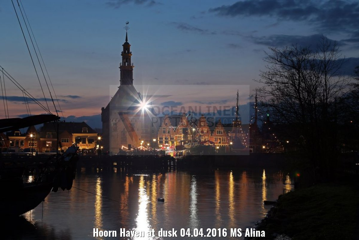 Hoorn Haven at dusk 04.04.2016 MS Alina