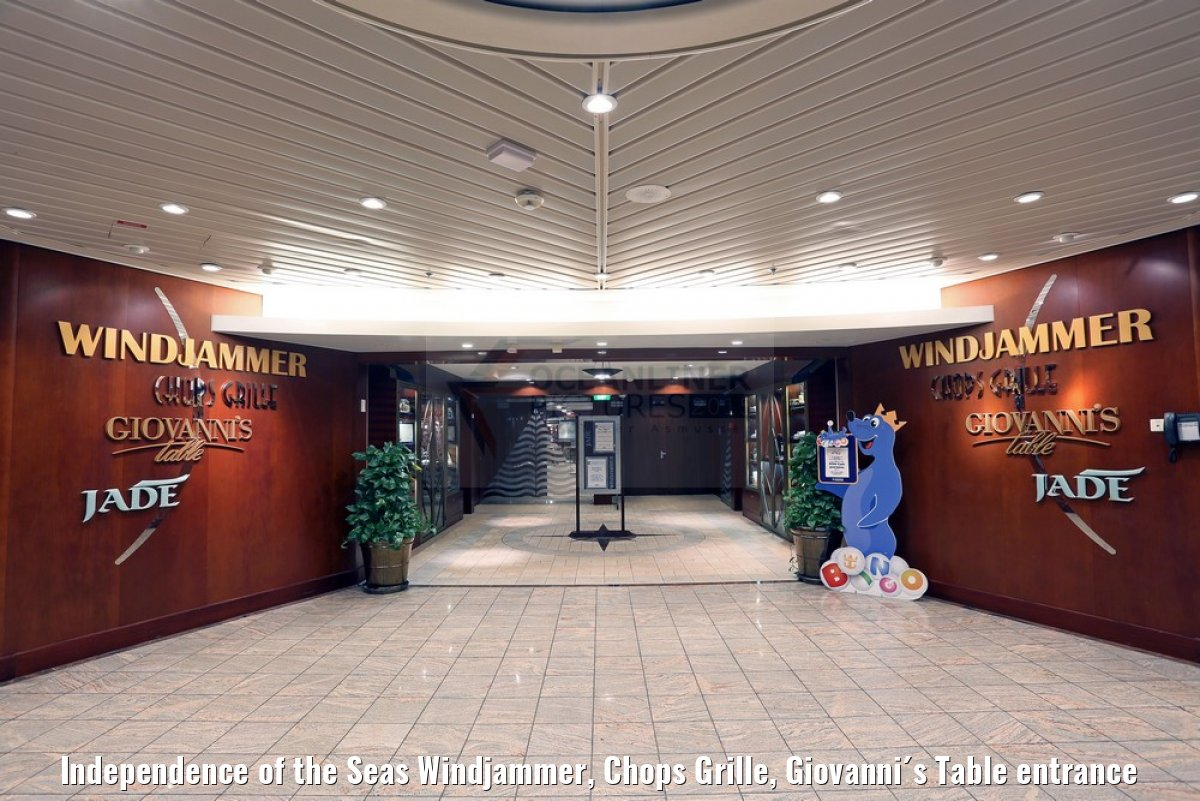 Independence of the Seas Windjammer, Chops Grille, Giovanni´s Table entrance