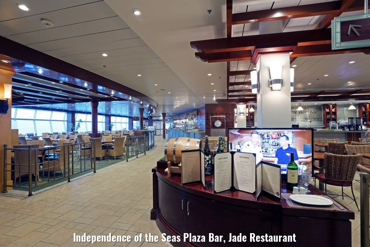 Independence of the Seas Plaza Bar, Jade Restaurant