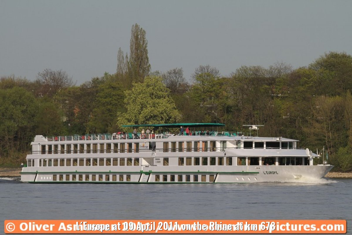 L´Europe at 09 April 2011 on the Rhine at km 678