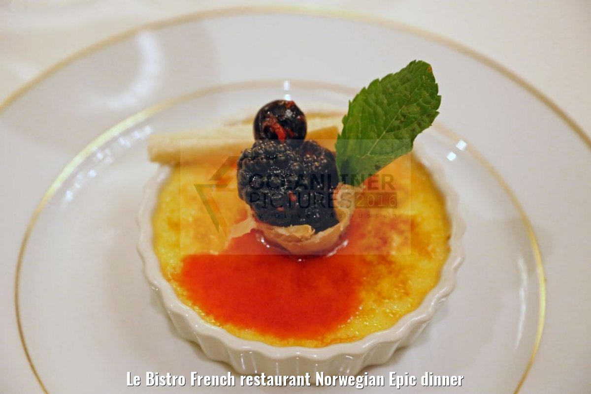 Le Bistro French restaurant Norwegian Epic dinner