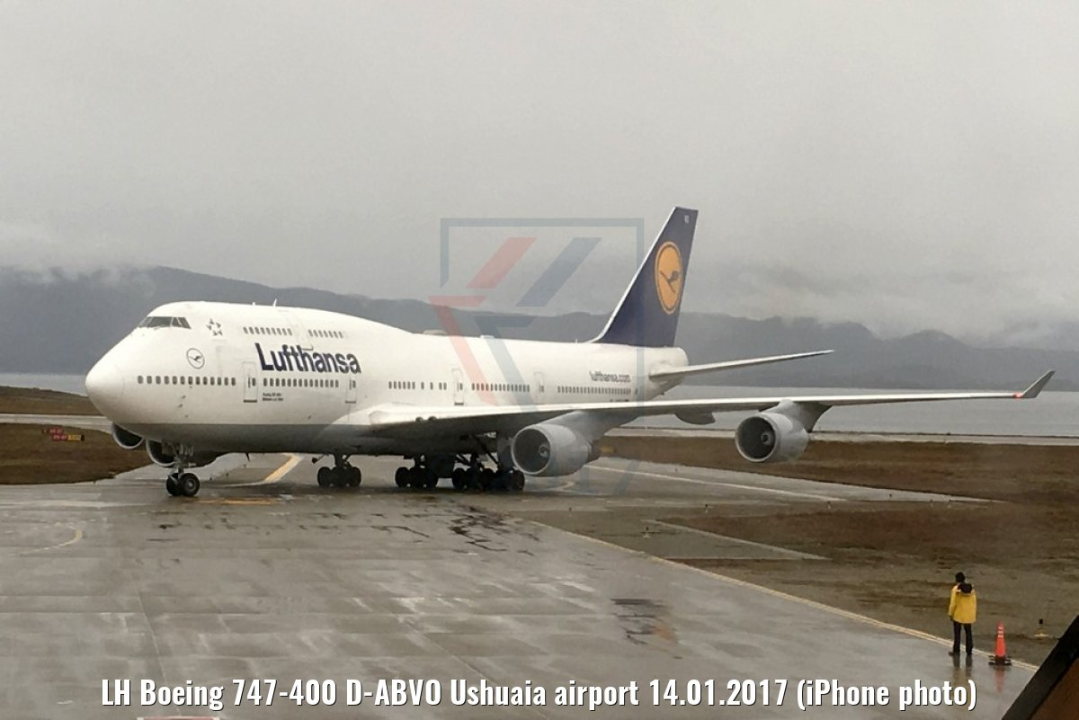 LH Boeing 747-400 D-ABVO Ushuaia airport 14.01.2017 (iPhone photo)