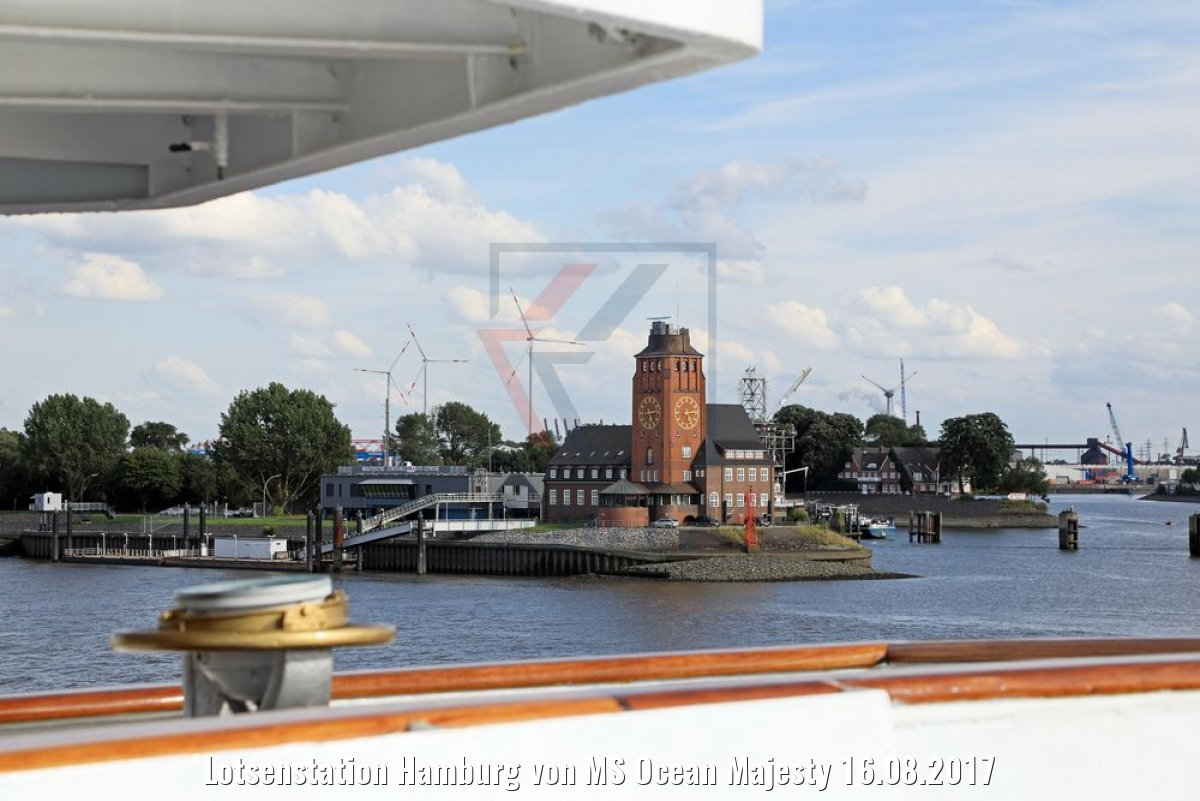 Lotsenstation Hamburg von MS Ocean Majesty 16.08.2017