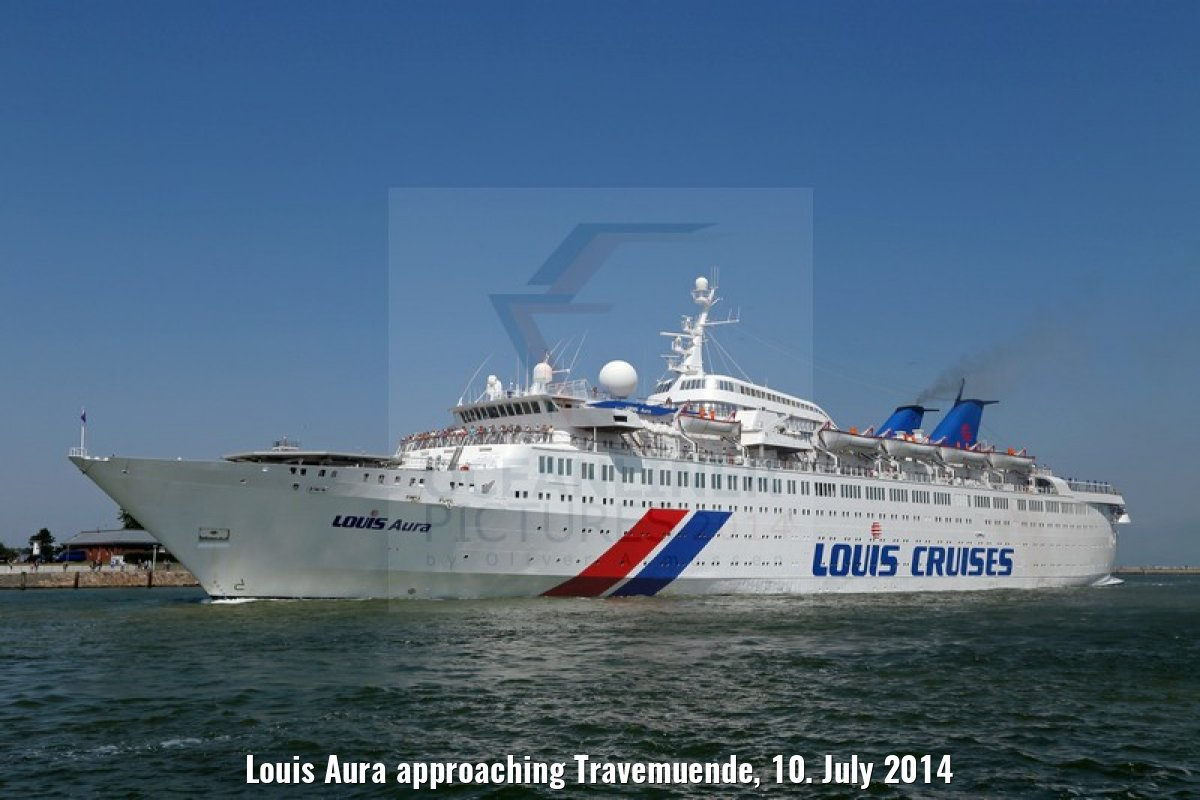 Louis Aura approaching Travemuende, 10. July 2014