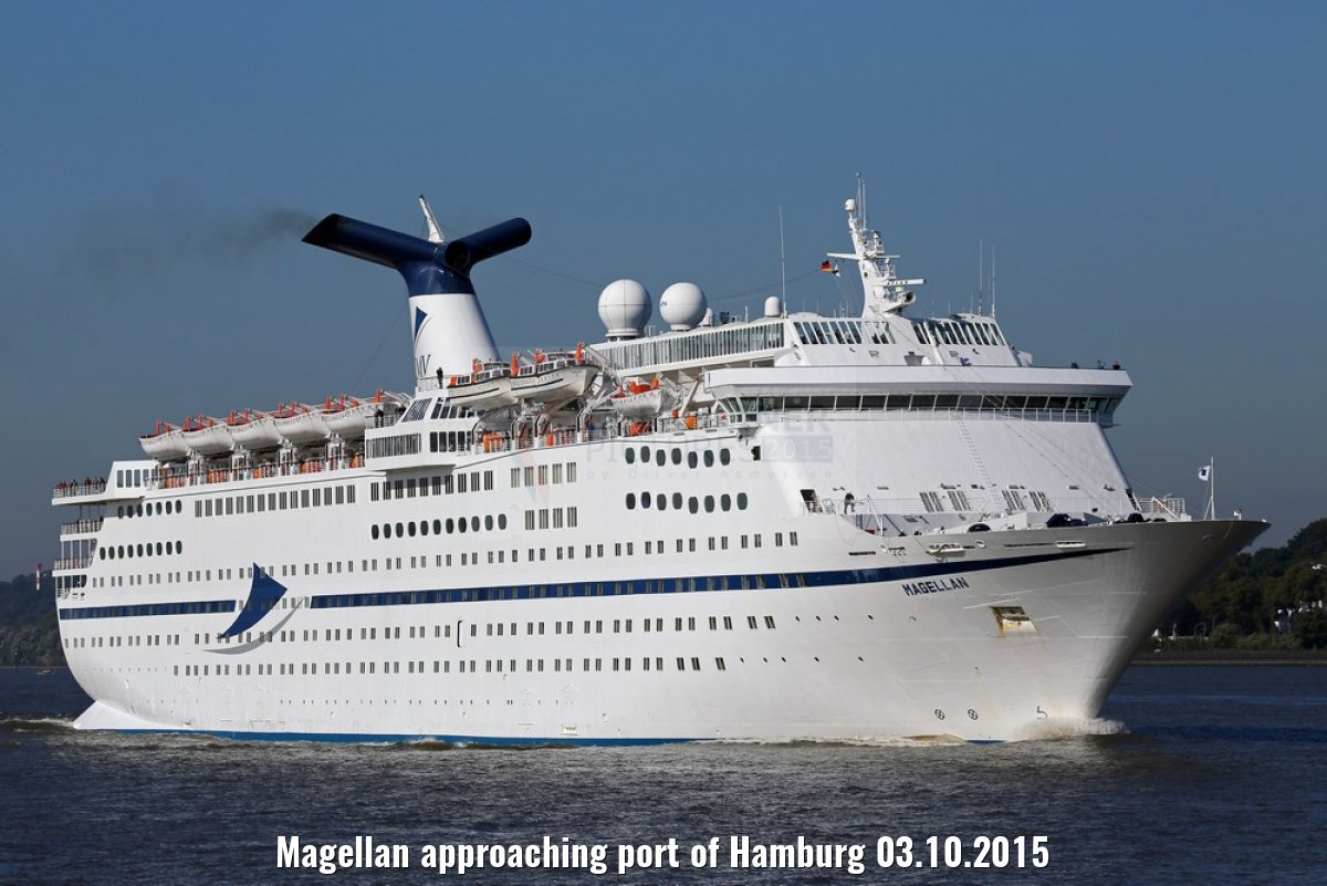 Magellan approaching port of Hamburg 03.10.2015