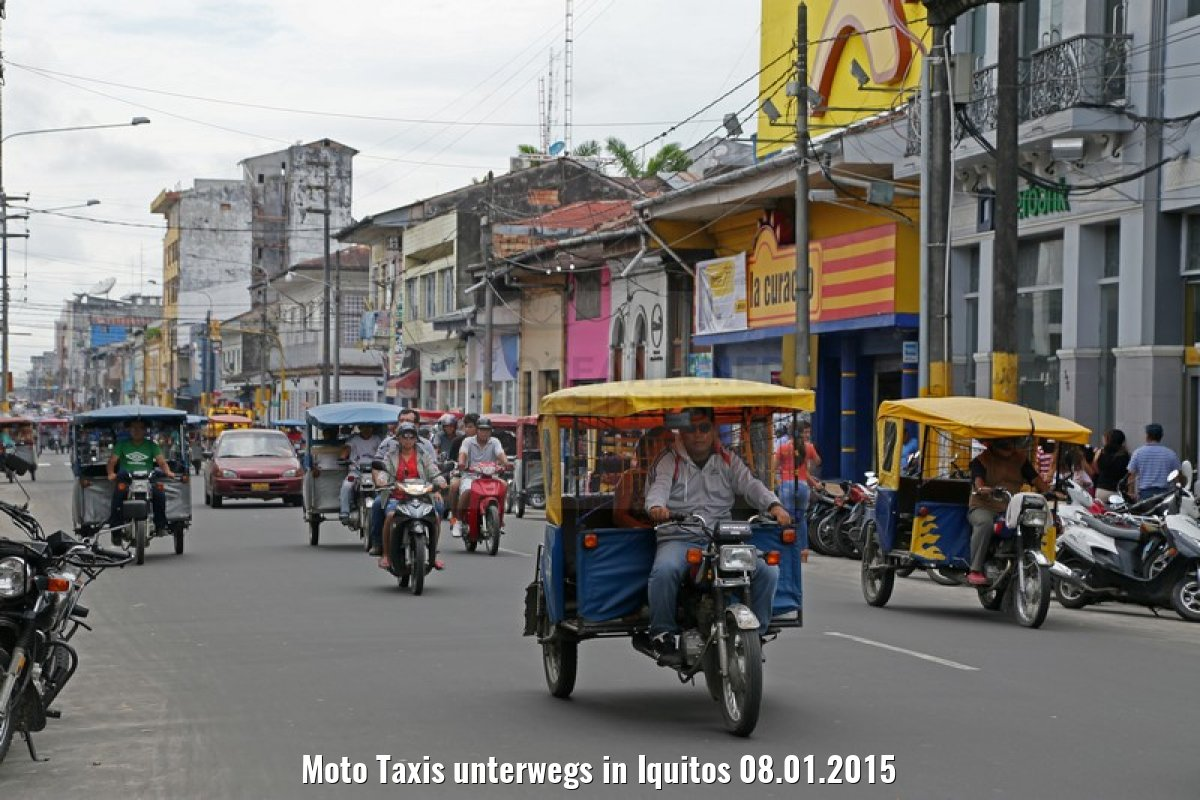 Moto Taxis unterwegs in Iquitos 08.01.2015