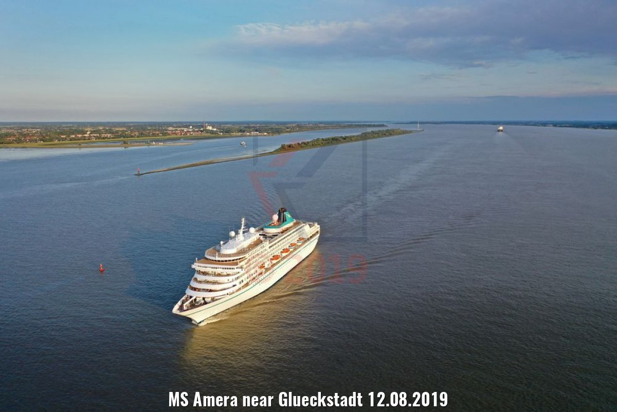 MS Amera near Glueckstadt 12.08.2019