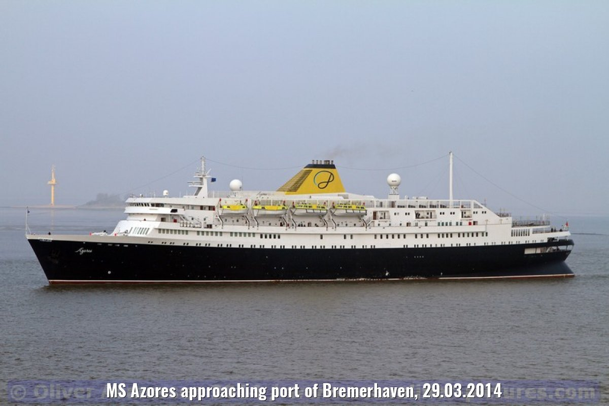 MS Azores approaching port of Bremerhaven, 29.03.2014