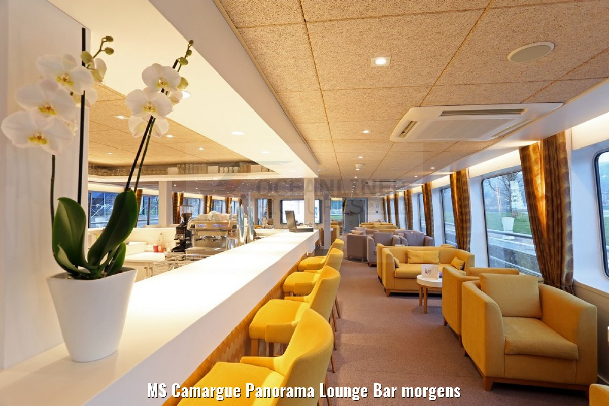 MS Camargue Panorama Lounge Bar morgens