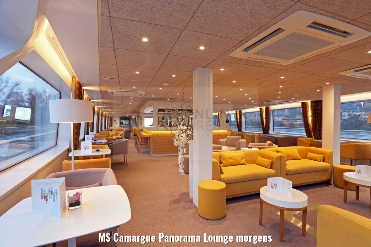 MS Camargue Panorama Lounge morgens