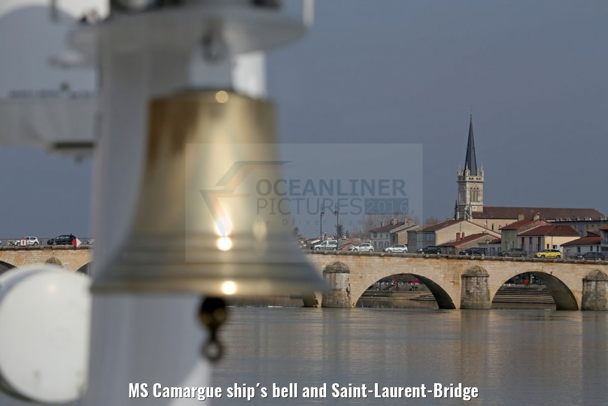 MS Camargue ship´s bell and Saint-Laurent-Bridge