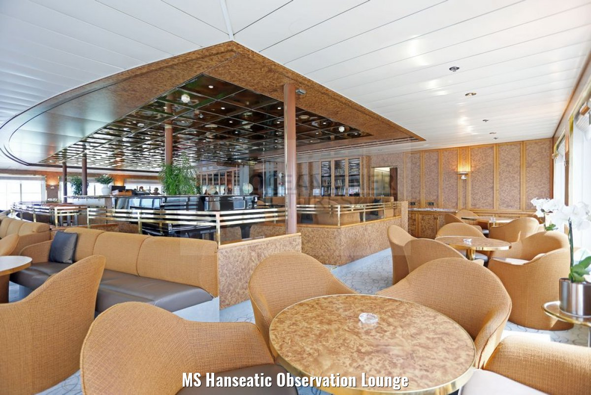 MS Hanseatic Observation Lounge