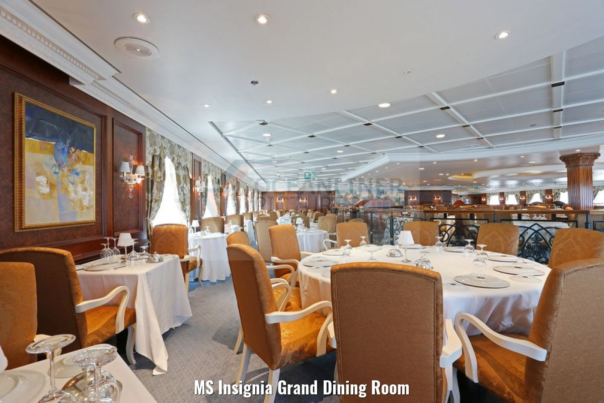 MS Insignia Grand Dining Room
