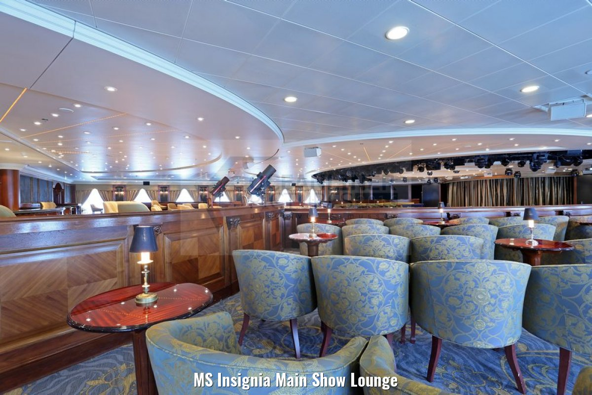 MS Insignia Main Show Lounge