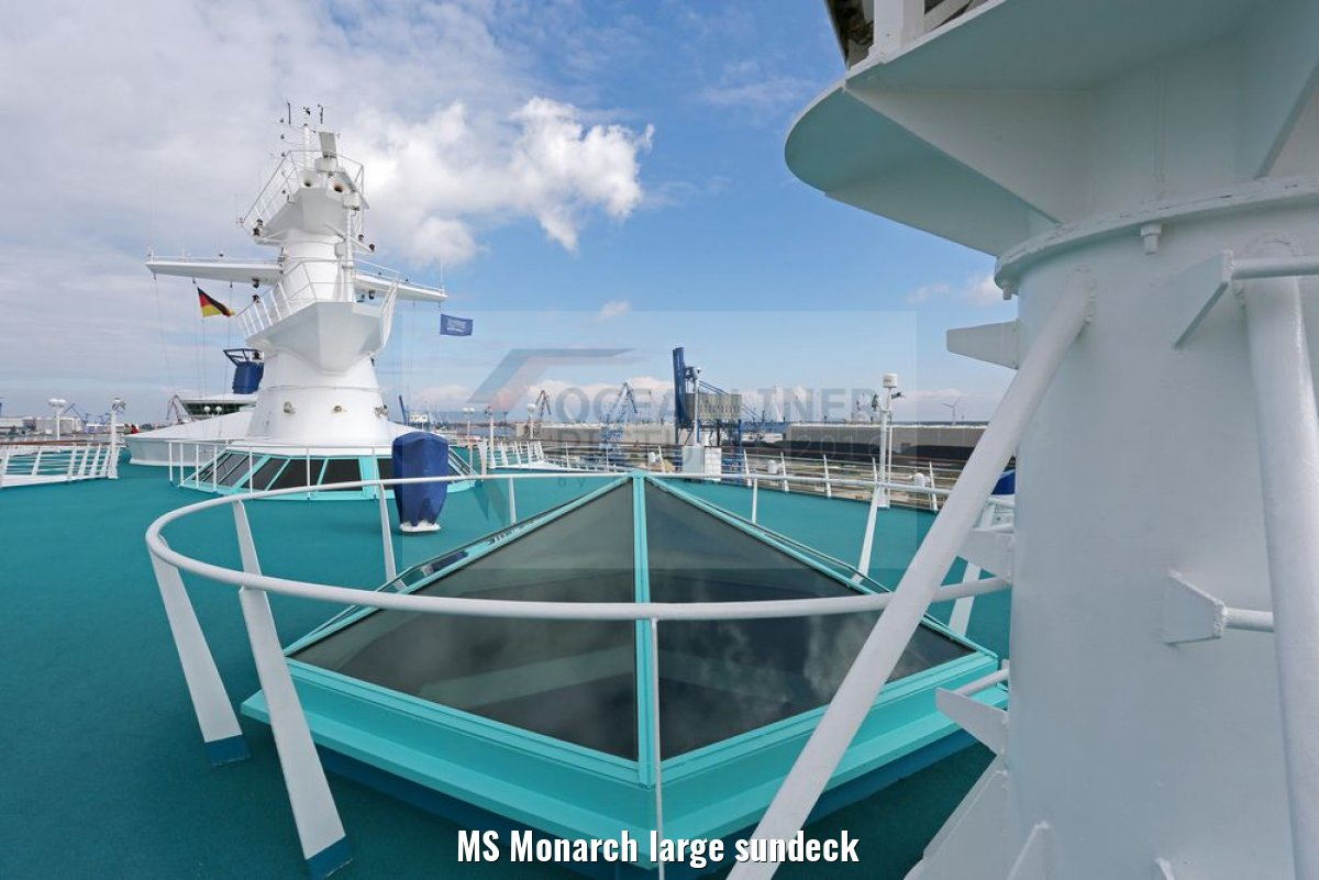 MS Monarch large sundeck