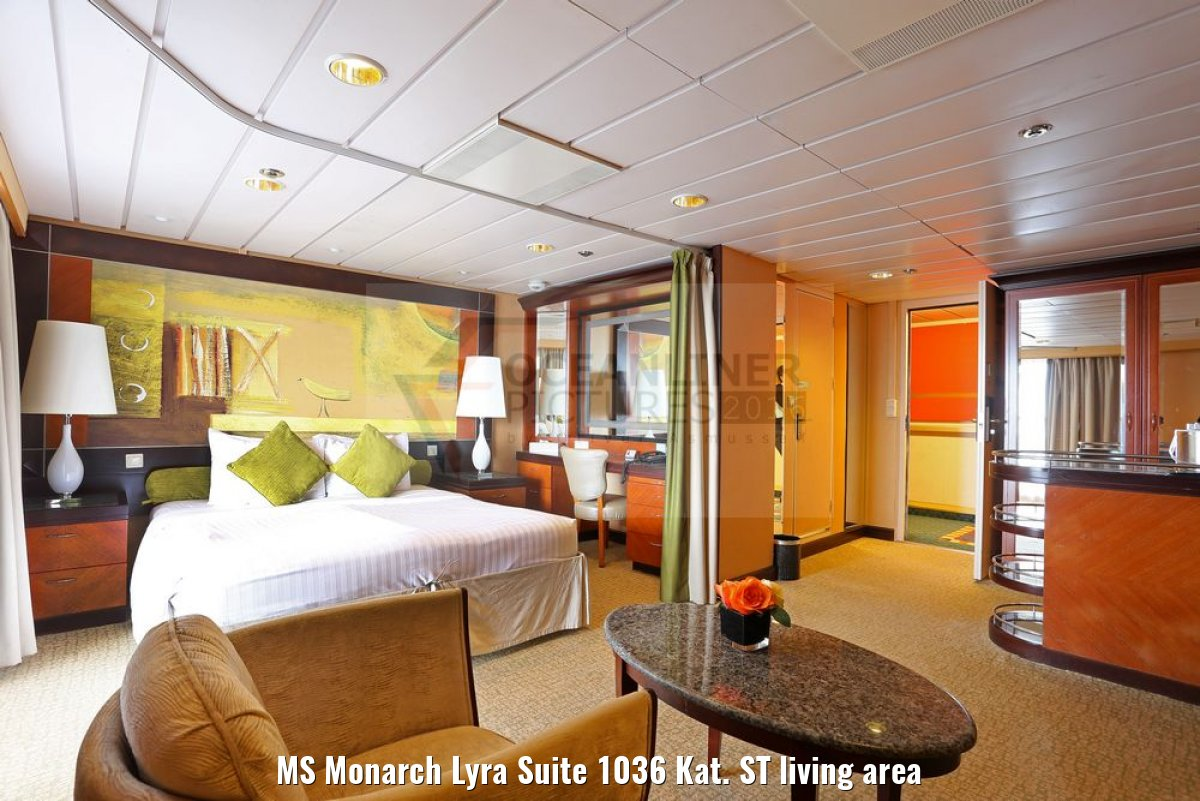 MS Monarch Lyra Suite 1036 Kat. ST living area