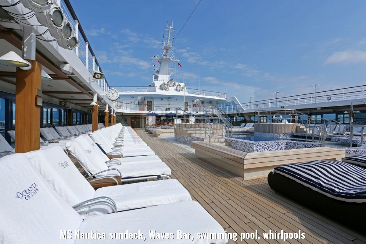 MS Nautica sundeck, Waves Bar, swimming pool, whirlpools