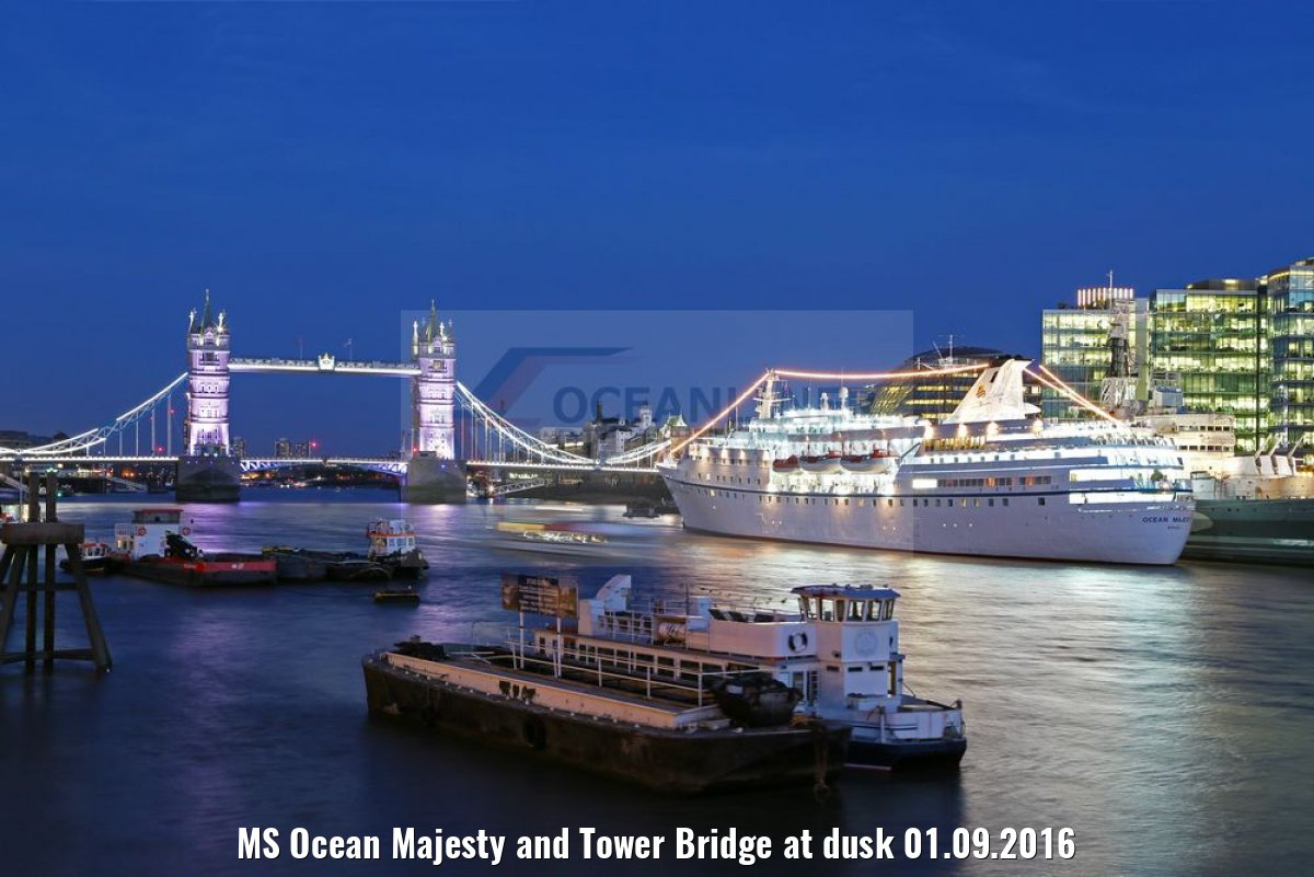 MS Ocean Majesty and Tower Bridge at dusk 01.09.2016