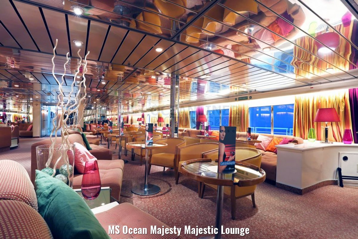 MS Ocean Majesty Majestic Lounge
