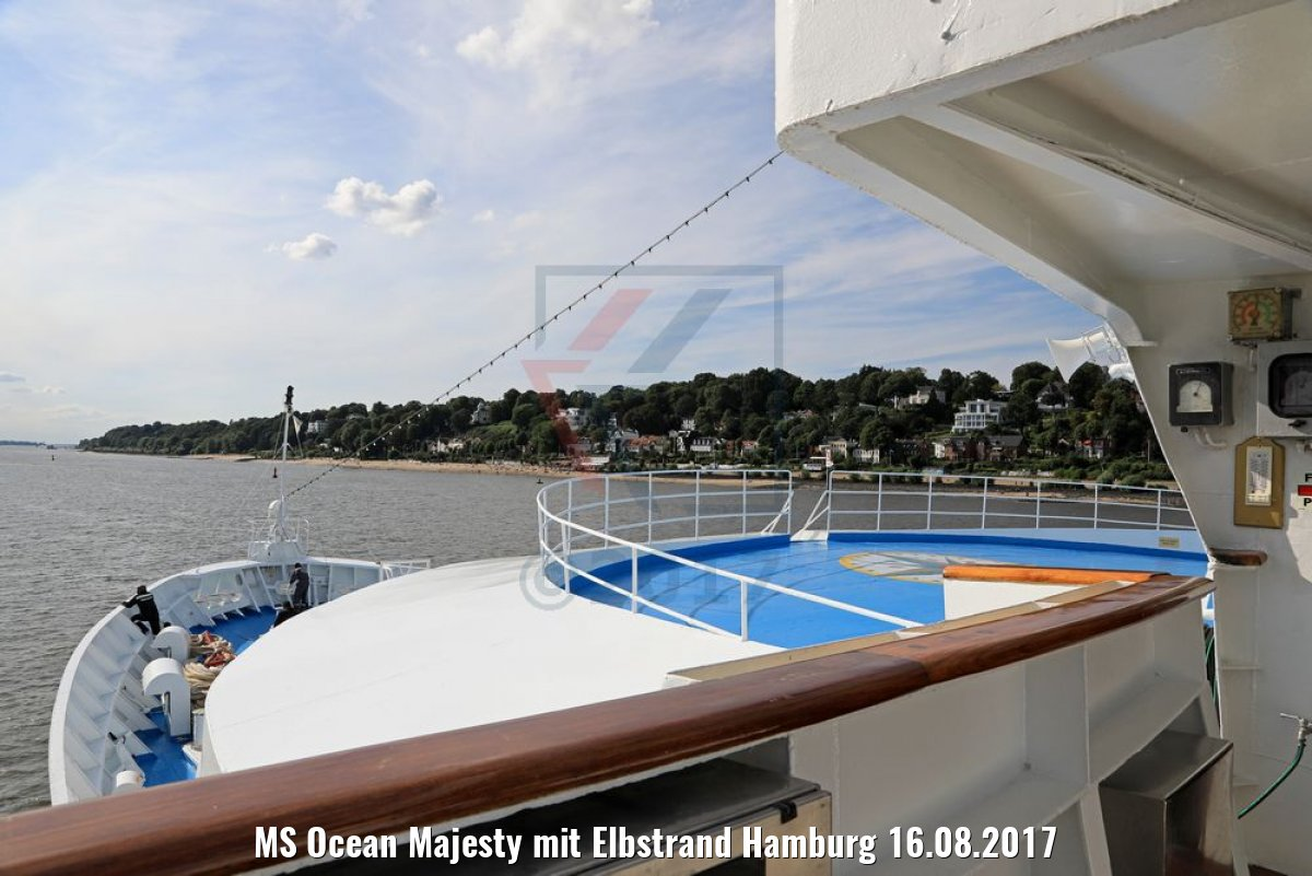 MS Ocean Majesty mit Elbstrand Hamburg 16.08.2017