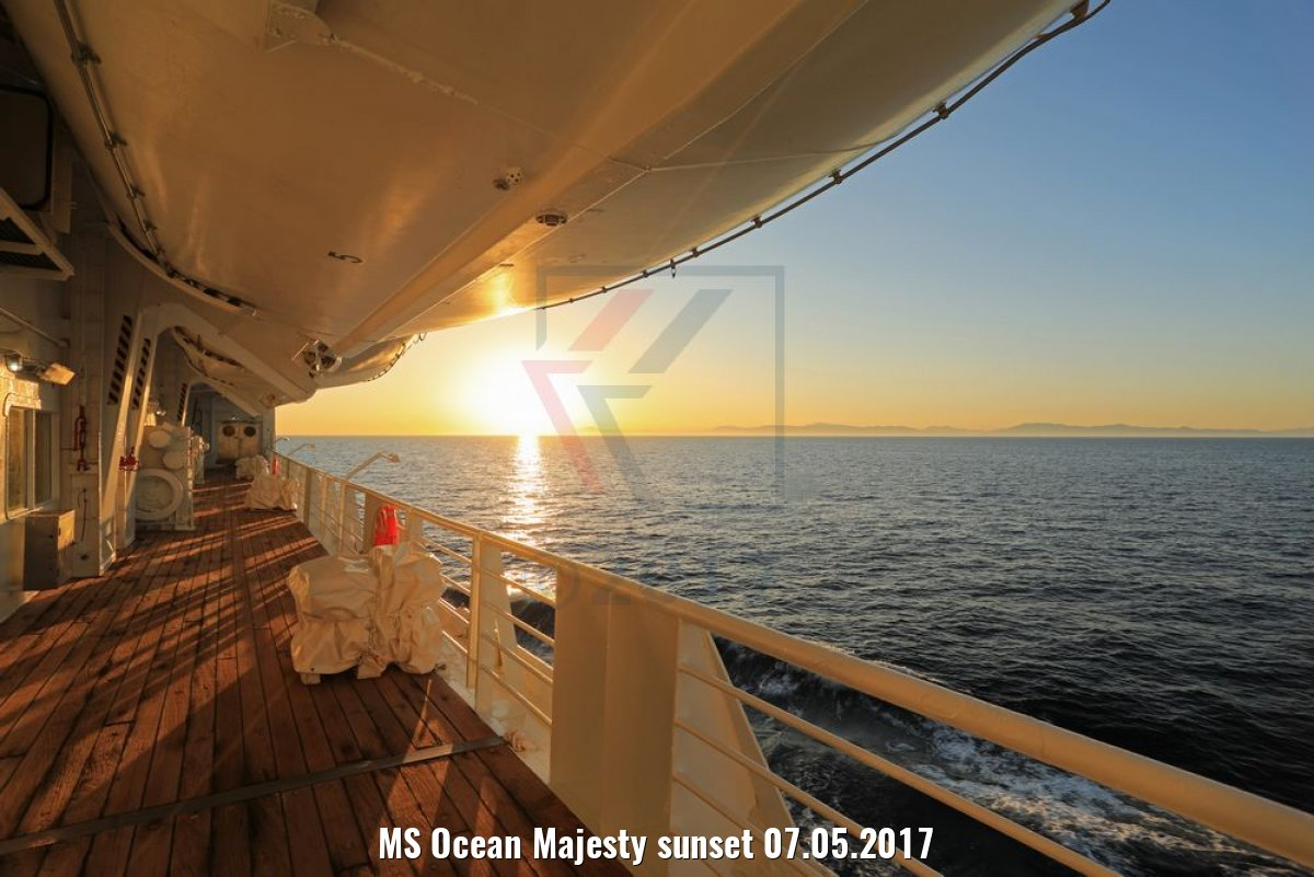 MS Ocean Majesty sunset 07.05.2017