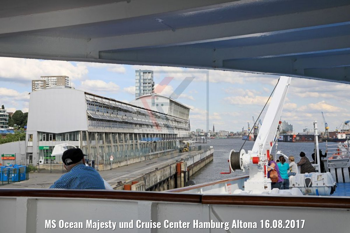 MS Ocean Majesty und Cruise Center Hamburg Altona 16.08.2017