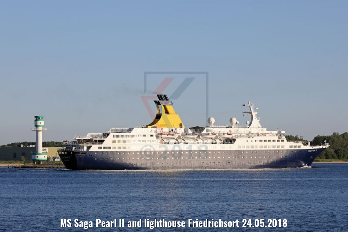 MS Saga Pearl II and lighthouse Friedrichsort 24.05.2018