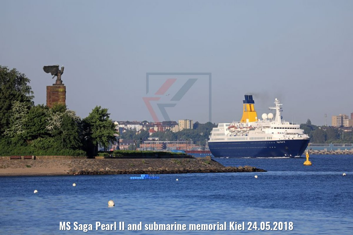 MS Saga Pearl II and submarine memorial Kiel 24.05.2018