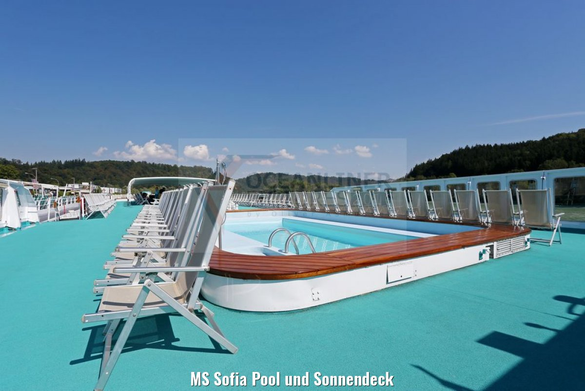 MS Sofia Pool und Sonnendeck