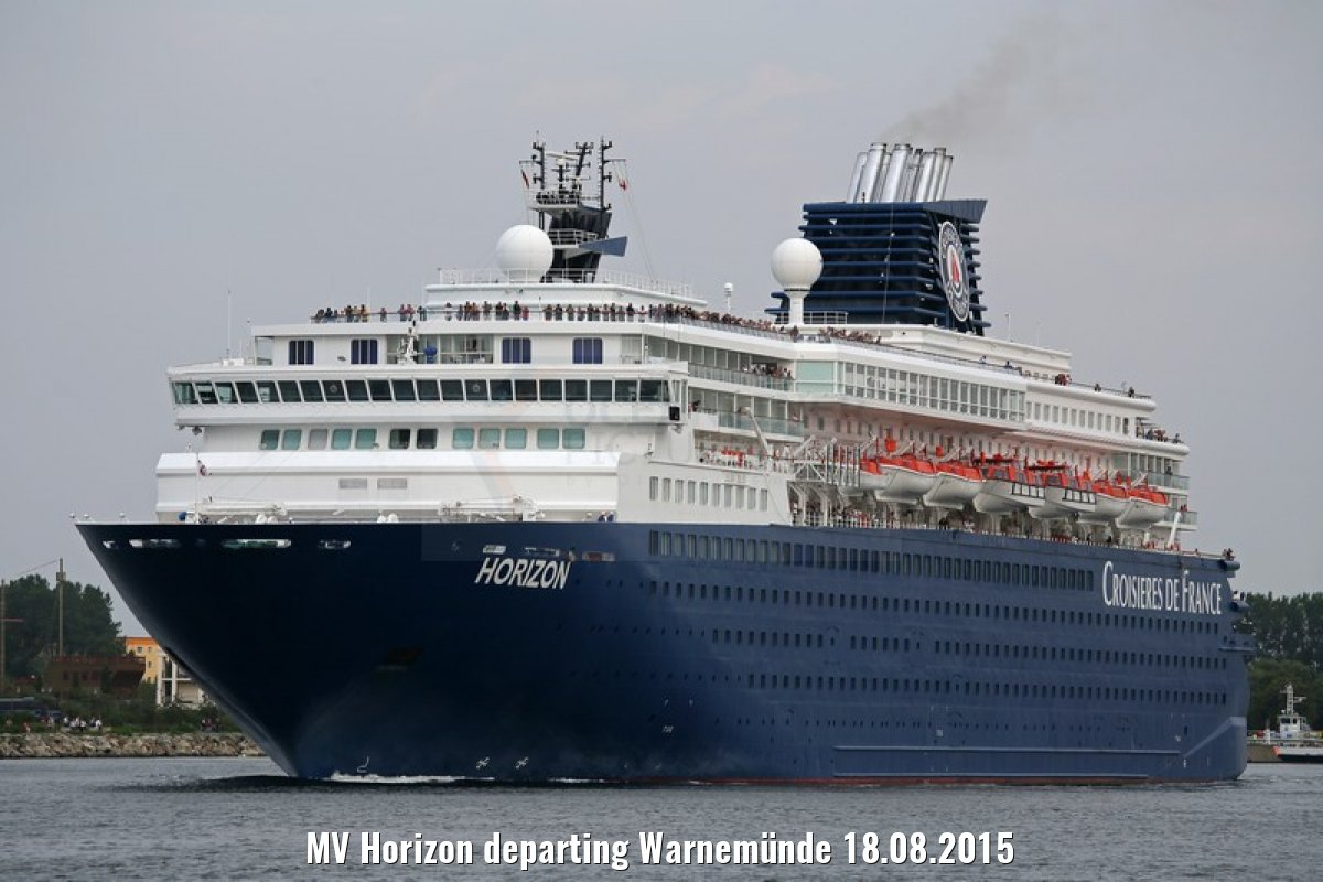 MV Horizon departing Warnemünde 18.08.2015