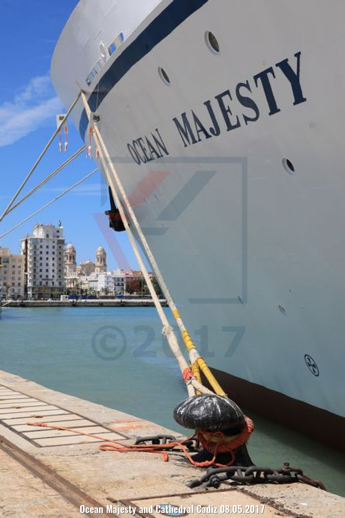 Ocean Majesty and Cathedral Cadiz 08.05.2017