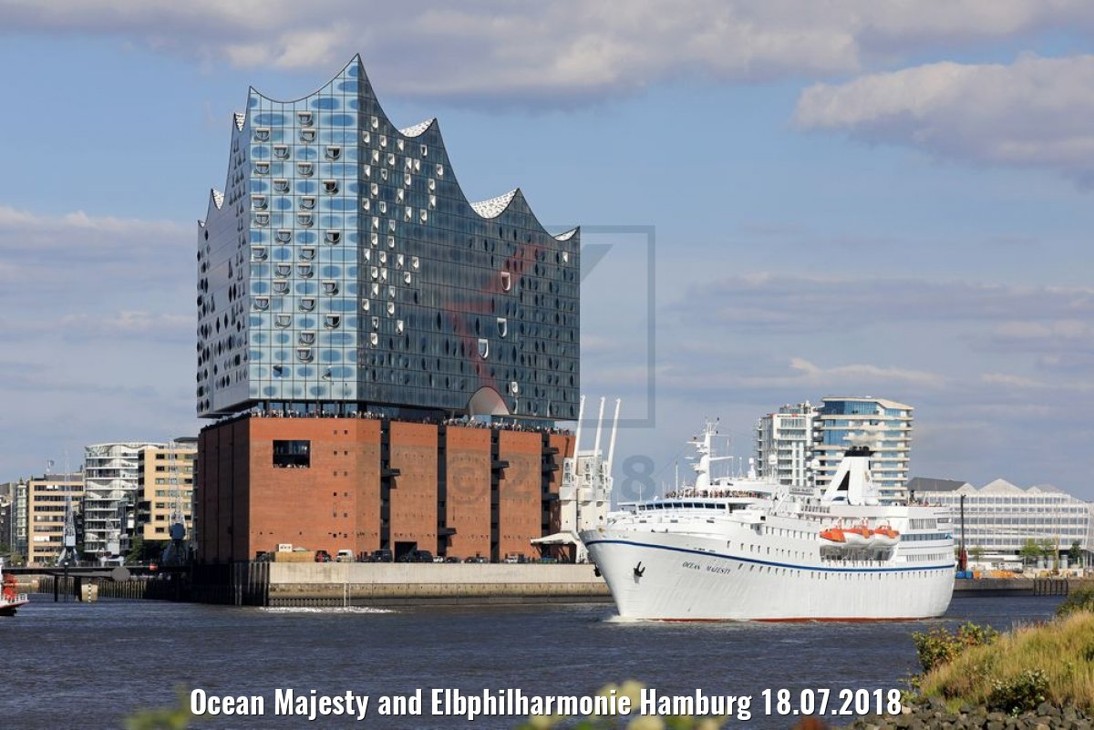 Ocean Majesty and Elbphilharmonie Hamburg 18.07.2018